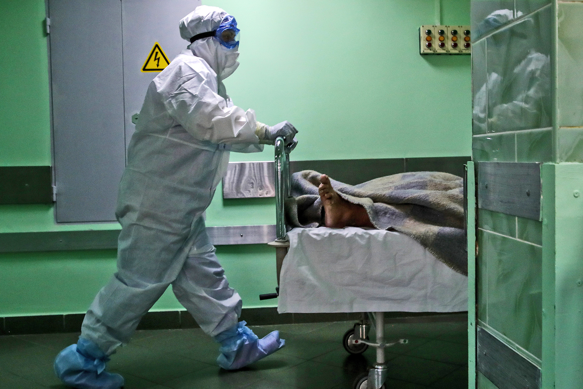 Стали известны условия, при которых риск смерти от коронавируса серьезно возрастает